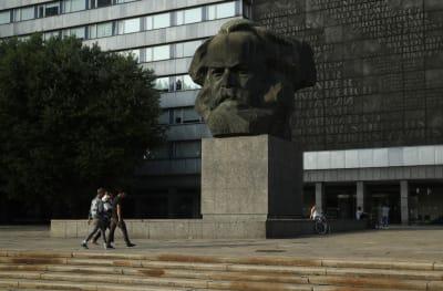 Памятник Марксу в Германии